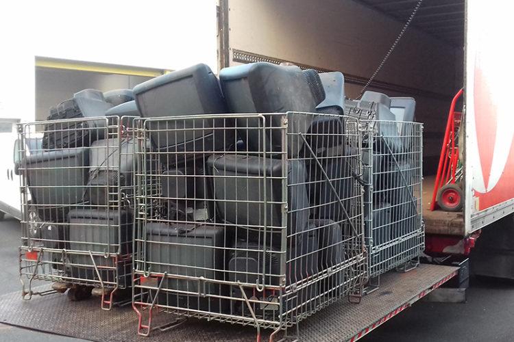 Des cages pour faciliter la collecte des déchets